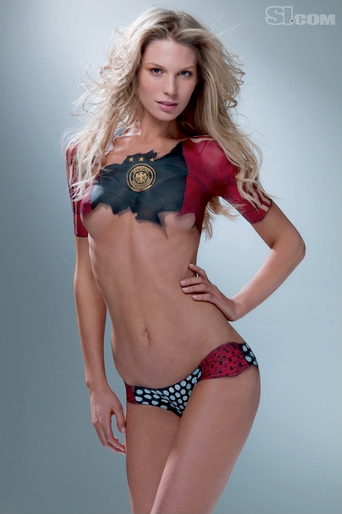 Sarah Brandner Sports Illustrated Body Paint 2010 | Da H3inZon3